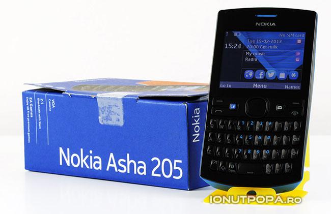Nokia Asha 205: din păcate nu are WiFi