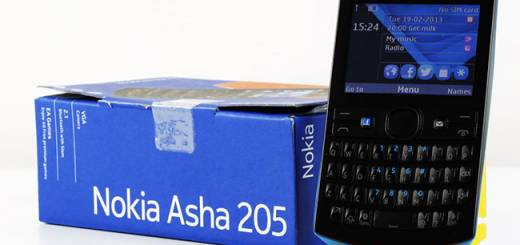 Nokia Asha 205: din păcate nu are WiFi