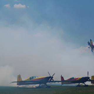 Clinceni Airshow 2015 miting aviatic - Hawks of Romania zbor prin fum
