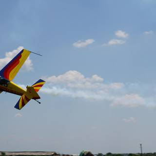 Clinceni Airshow 2015 miting aviatic - Hawks of Romania zbor razant in derapaj