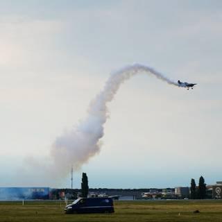 BIAS 2015 miting aviatic - Jurgis Kairys decoleaza din scurt cu SU 31
