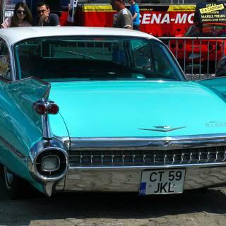 Retro American Muscle Cars - Cadillac cu aripioare