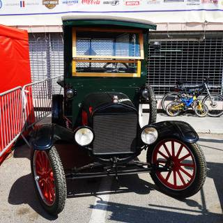 Retro American Muscle Cars - Ford Model T