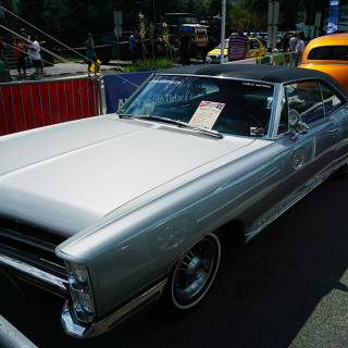 Retro American Muscle Cars - Pontiac Bonneville