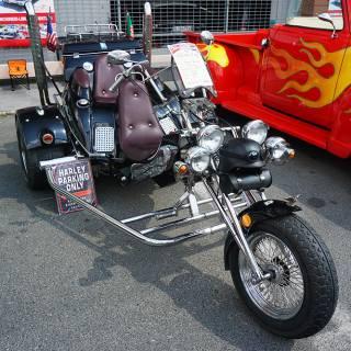 Retro American Muscle Cars - motocicleta Boom Trike Highway